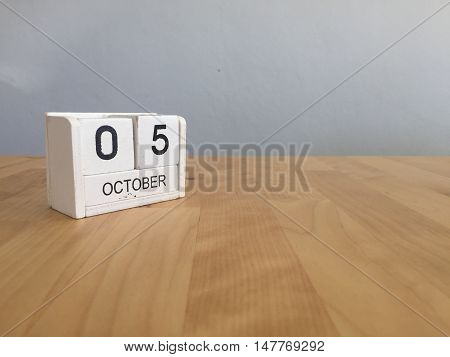 October 5Th.october 5 White Wooden Calendar On Vintage Wood Abstract Background.autumn Day.copyspace