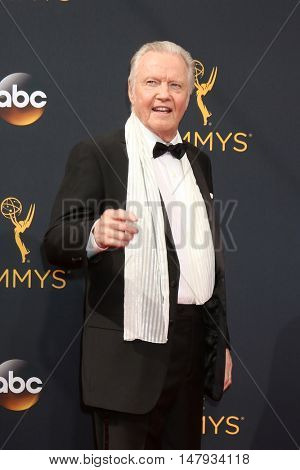 LOS ANGELES - SEP 18:  Jon Voight at the 2016 Primetime Emmy Awards - Arrivals at the Microsoft Theater on September 18, 2016 in Los Angeles, CA