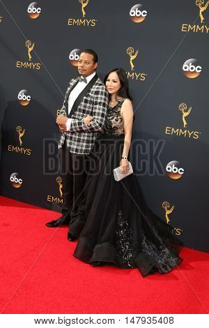 LOS ANGELES - SEP 18:  Terrence Howard, guest at the 2016 Primetime Emmy Awards - Arrivals at the Microsoft Theater on September 18, 2016 in Los Angeles, CA