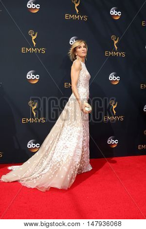 LOS ANGELES - SEP 18:  Felicity Huffman at the 2016 Primetime Emmy Awards - Arrivals at the Microsoft Theater on September 18, 2016 in Los Angeles, CA