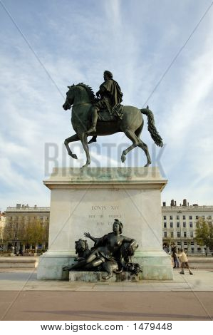 Statue Of King Louis