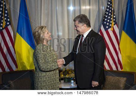 Hillary Clinton And Petro Poroshenko