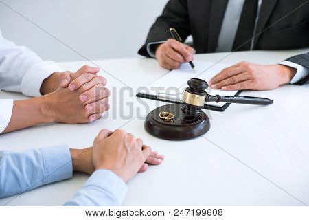 Agreement Prepared By Lawyer Signing Decree Of Divorce (dissolution Or Cancellation) Of Marriage, Hu