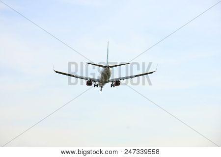 Amsterdam, The Netherlands -  April 1st 2016: Ph-ggx Transavia Boeing 737 Approaching Polderbaan Run