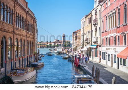 Murano, Italy - April 25, 2008:  Houses, Shops And Boats In The Fondamente Dei Vetrai Canal