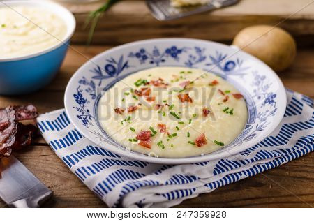 Mashed Potatoes, Fresh Herb And Crispy Bacon In