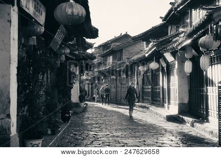 Lijiang, CHINA - DEC 5: Street view on December 5, 2014 in Lijiang, China. Lijiang old town is a UNESCO Heritage Site with 800 years history and confluence for trade along the old tea horse road.