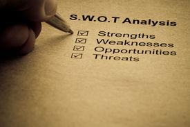 Concepto de análisis de estrategia de negocio