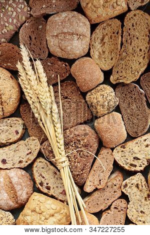 Healthy high fibre bread collection also high in minerals, vitamins, smart carbs and has a low GI levels. Lowers blood pressure & cholesterol, manages diabetes & optimise a healthy heart. Flat lay.