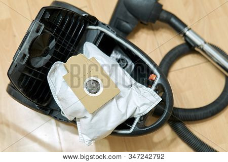 Replacement Of The Dust Bags In The Vacuum Cleaner