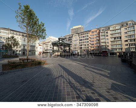 Ostend, Belgium - 7 August 2018: Image Of The Wapenplein With Its Kiosk.