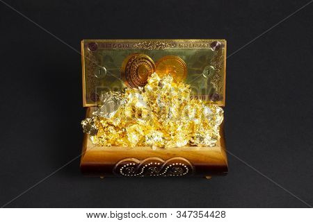 Bitcoin Banknote And Foil Gold In The Treasure Trove, Cryptocurrency In Wooden Chest, Gift, Decorati