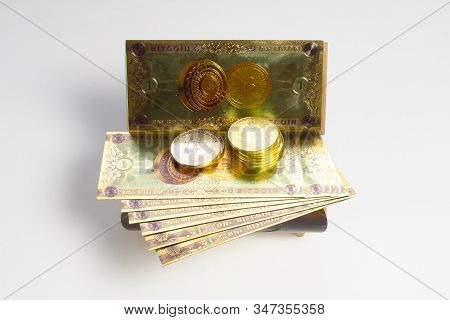 Bitcoin Banknotes And Golden Btc Coins In The Treasure Trove, Cryptocurrency In Wooden Chest, Gift,