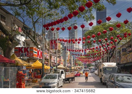 Kuala Lumpur, Malaysia - December 27, 2019. Jalan Alor Street Known For A Large Number Of Short-live