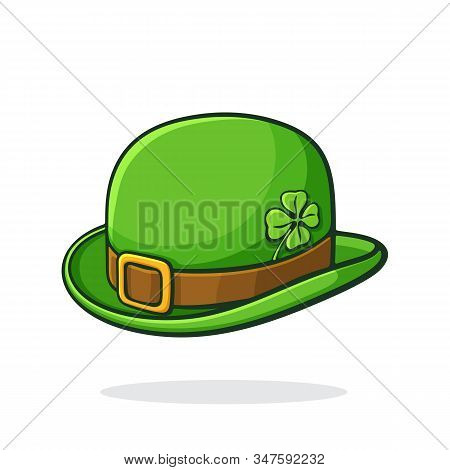 Vector Illustration. Isometric View Of Green Retro Bowler Hat With Golden Buckle And Clover. Saint P