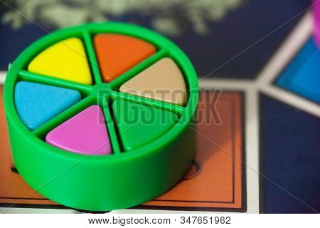 Trivial Pursuit Board Game 80S Edition