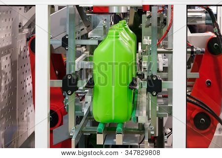 Plastic Green Cans Canister, Production Of Plastic Products Pvc Extrusion Method