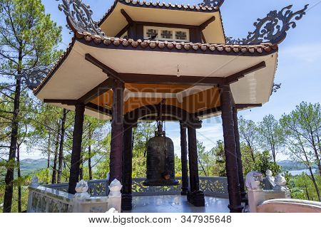 Da Nang, Vietnam - June 27, 2019:the Lady Buddha Statue The Bodhisattva Of Mercy At The Linh Ung Pag