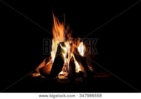 Log fire camp fire at night