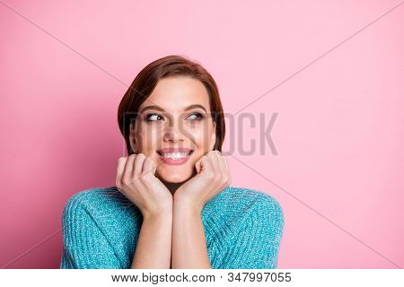 Close-up Portrait Of Her She Nice-looking Attractive Lovely Charming Pretty Cheerful Cheery Glad Del