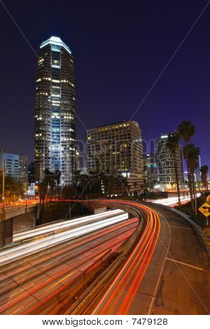 abstrakt Timelapse Freeway Verkehr in der Nacht in Los angeles
