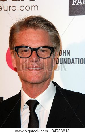 LOS ANGELES - FEB 22: Harry Hamlin at the Elton John Oscar Party 2015 at the City Of West Hollywood Park on February 22, 2015 in West Hollywood, CA