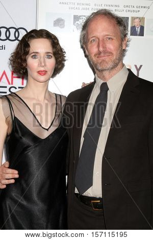 LOS ANGELES - NOV 16:  Miranda July, Mike Mills at the A Tribute To Annette Bening And Gala Screening of