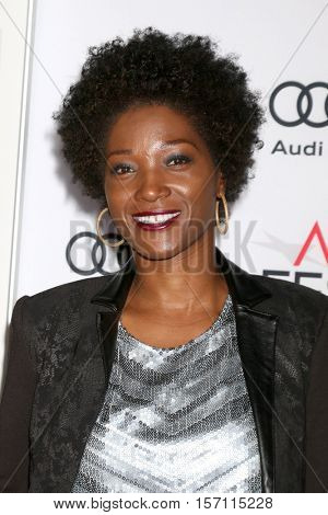 LOS ANGELES - NOV 16:  Yolanda Ross at the A Tribute To Annette Bening And Gala Screening of