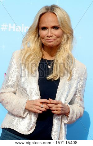 LOS ANGELES - NOV 16:  Kristin Chenoweth at the