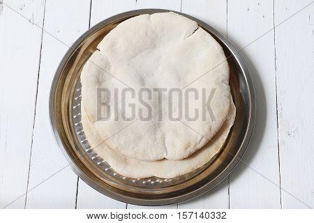 Pakistani / lebanese / turkish / nepali / indian roti / chapati / fulka / paratha / pita / naan / bread
