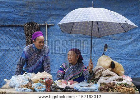 Sin Cheng, Vietnam, October 26, 2016 : Women On The Market. Hmong Women Of North Vietnam Wear Their