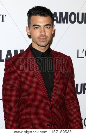 LOS ANGELES - NOV 14:  Joe Jonas at the Glamour Women Of The Year 2016 at NeueHouse Hollywood on November 14, 2016 in Los Angeles, CA