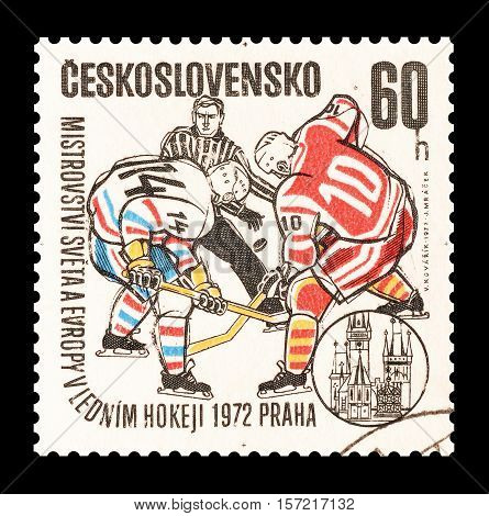 CZECHOSLOVAKIA - STAMP 1972 : Cancelled postage stamp printed by Czechoslovakia, that shows Hockey.