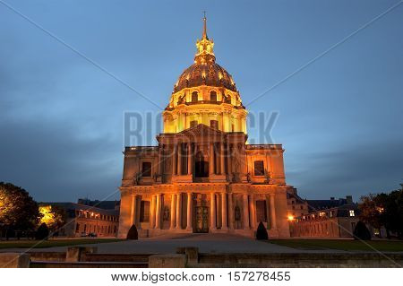 Les Invalides (the National Residence Of The Invalids) At Night - Paris, France