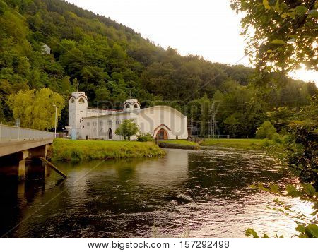 This is a hydroelectric facility in Hasenfeld. Hasenfeld is a small town in the Eifel.