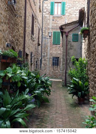 The town of Pienza is a small pearl in the Tuscan countryside. This fantastic town was declared an UNESCO World Heritage Site in 1996 and in 2004 the entire valley the Val d'Orcia was included on the list of UNESCO's World Cultural Landscapes