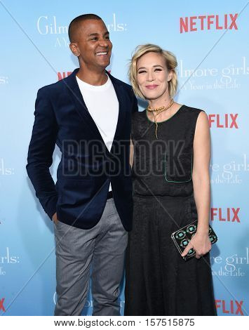 LOS ANGELES - NOV 18:  Yanic Truesdale and Liza Weil arrives to the Netflix's 'Gilmore Girls: A Year In The Life' Premiere on November 18, 2016 in Westwood, CA
