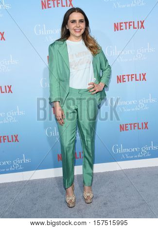 LOS ANGELES - NOV 18:  Mae Whitman arrives to the Netflix's 'Gilmore Girls: A Year In The Life' Premiere on November 18, 2016 in Westwood, CA