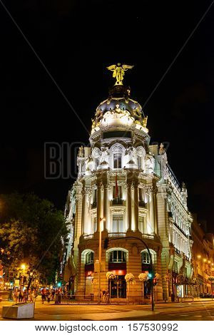 The Metropolis Building (edificio Metropolis) At The Corner Of The Calle De Alcala And The Gran Via