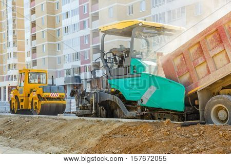 Asphalt-placing Machine