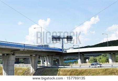 Multi-bridges With Asphalt Roads