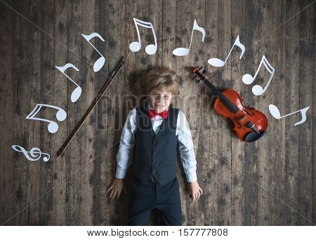Little musician with violin