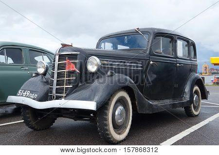 SAINT PETERSBURG, RUSSIA - SEPTEMBER 04, 2016: Soviet car GAZ 11-73 1940 on parade of retro transport