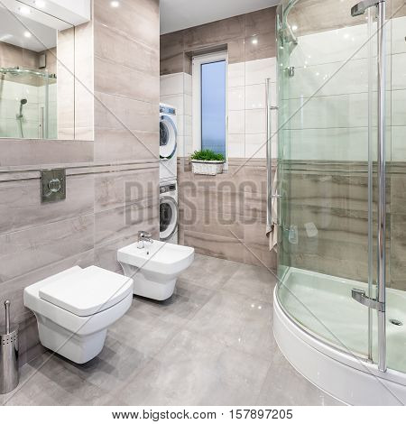 High-gloss Bathroom Idea