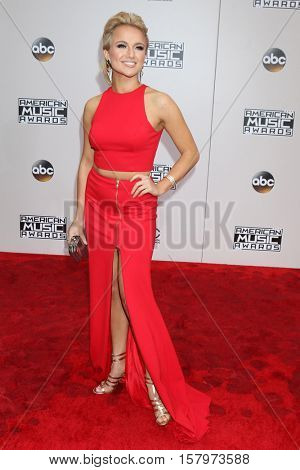LOS ANGELES - NOV 20:  Savvy Shields at the 2016 American Music Awards at Microsoft Theater on November 20, 2016 in Los Angeles, CA