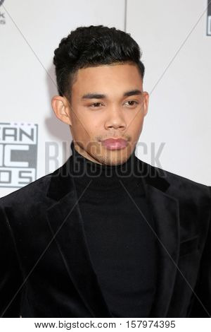 LOS ANGELES - NOV 20:  Roshon Fegan at the 2016 American Music Awards at Microsoft Theater on November 20, 2016 in Los Angeles, CA
