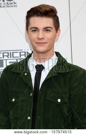LOS ANGELES - NOV 20:  Jordan Doww at the 2016 American Music Awards at Microsoft Theater on November 20, 2016 in Los Angeles, CA