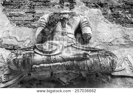 Black And White Photography : Historical Attractions And Historic Sites In Thailand / Historic Sites