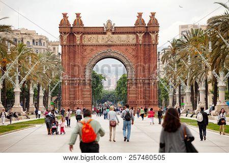 Arc De Triomf Barcdelona Spain