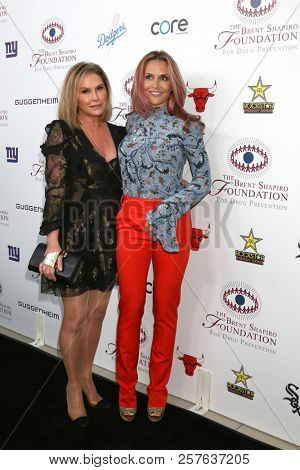 LOS ANGELES - SEP 7:  Kathy Hilton, Brooke Mueller at the Brent Shapiro Foundation Summer Spectacular at the Beverly Hilton Hotel on September 7, 2018 in Beverly Hills, CA